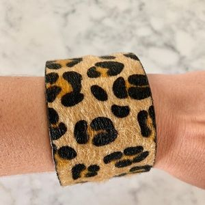 """Jewelry - 🎉HP🎉 2"""" Leopard Cuff"""